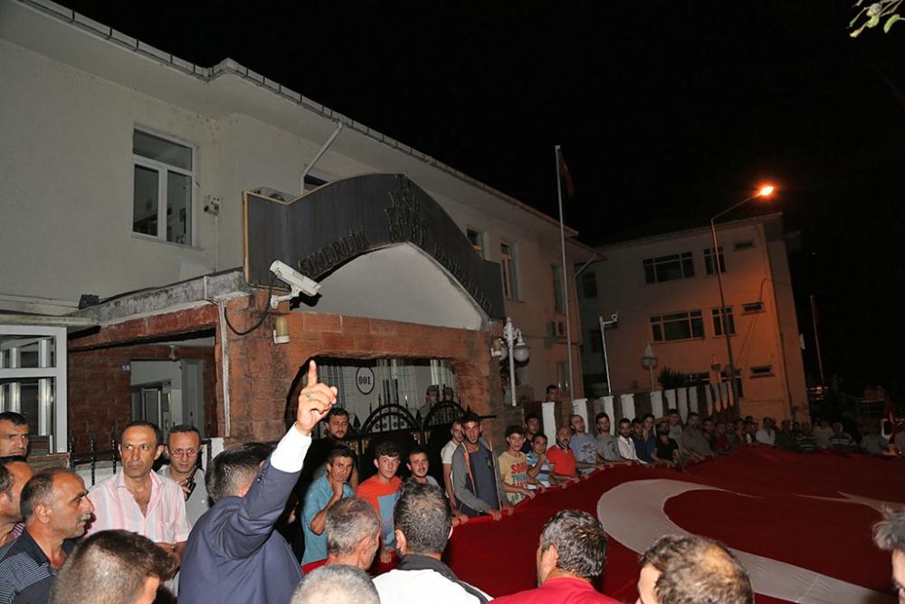 PAZAR'DA TERÖR SALDIRILARI PROTESTO EDİLDİ 5
