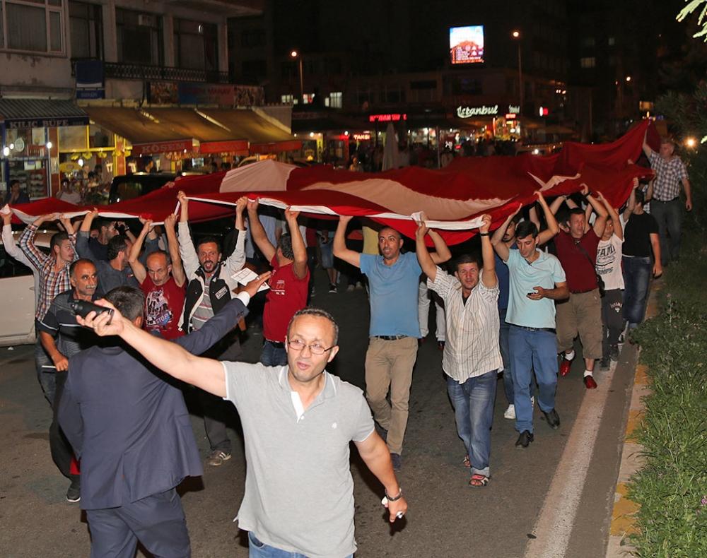 PAZAR'DA TERÖR SALDIRILARI PROTESTO EDİLDİ 9