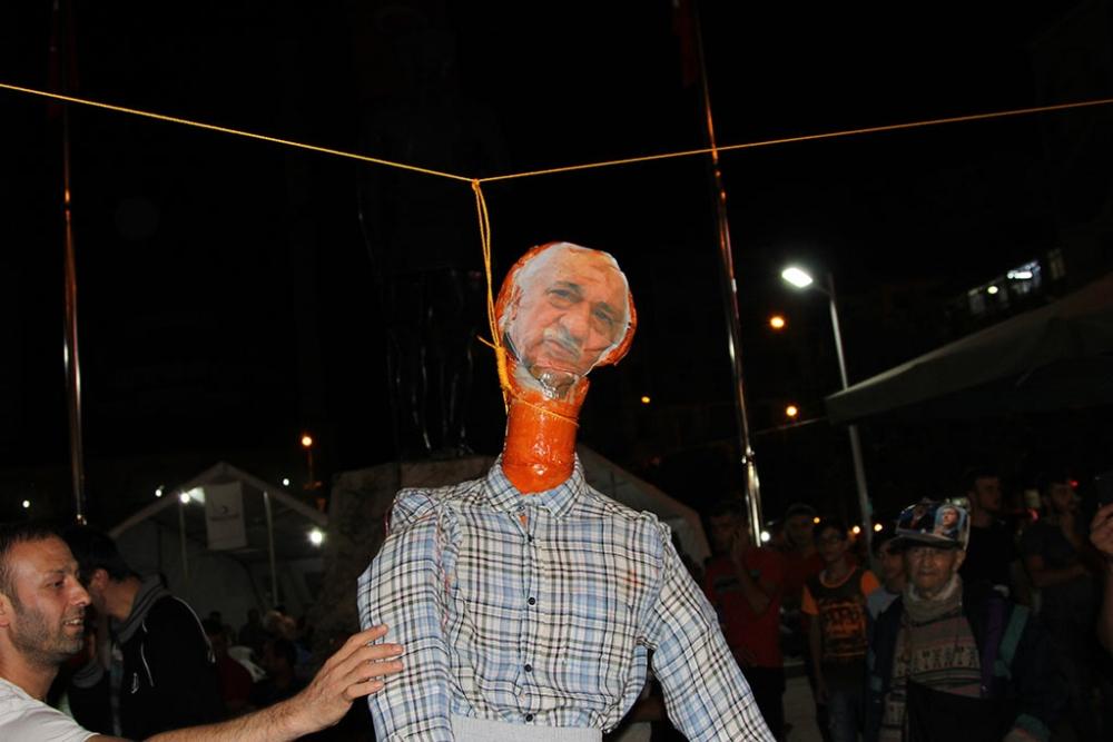 Pazar'da F. Gülen maketi idam edildi! galerisi resim 3