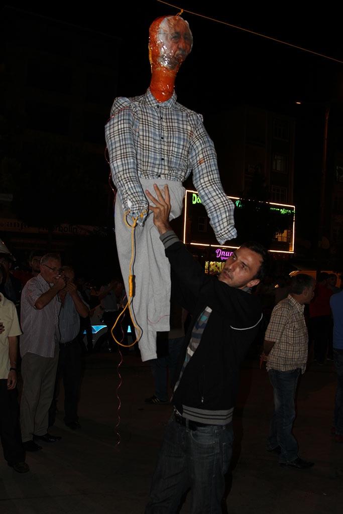 Pazar'da F. Gülen maketi idam edildi! 7