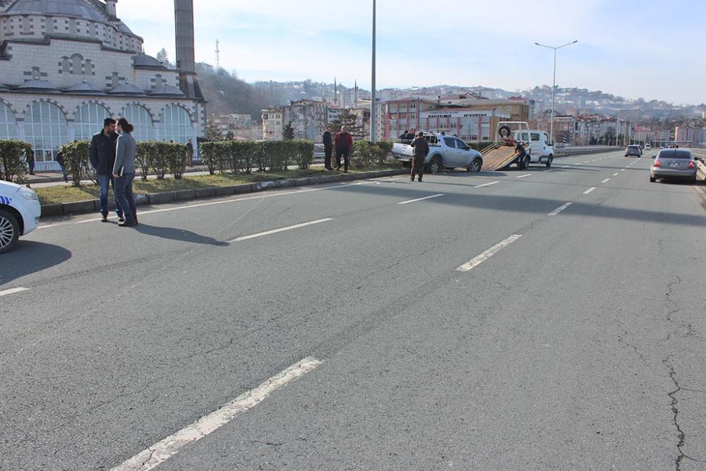 Pazar'da trafik kazası: 4 yaralı 4
