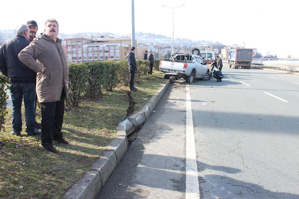 Pazar'da trafik kazası: 4 yaralı 8