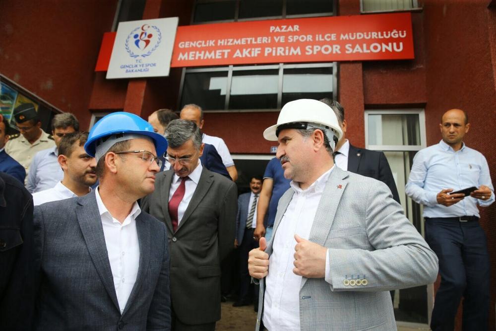 Bakan Bak, Pazar M. Akif Pirim Spor Salonuna el attı 1