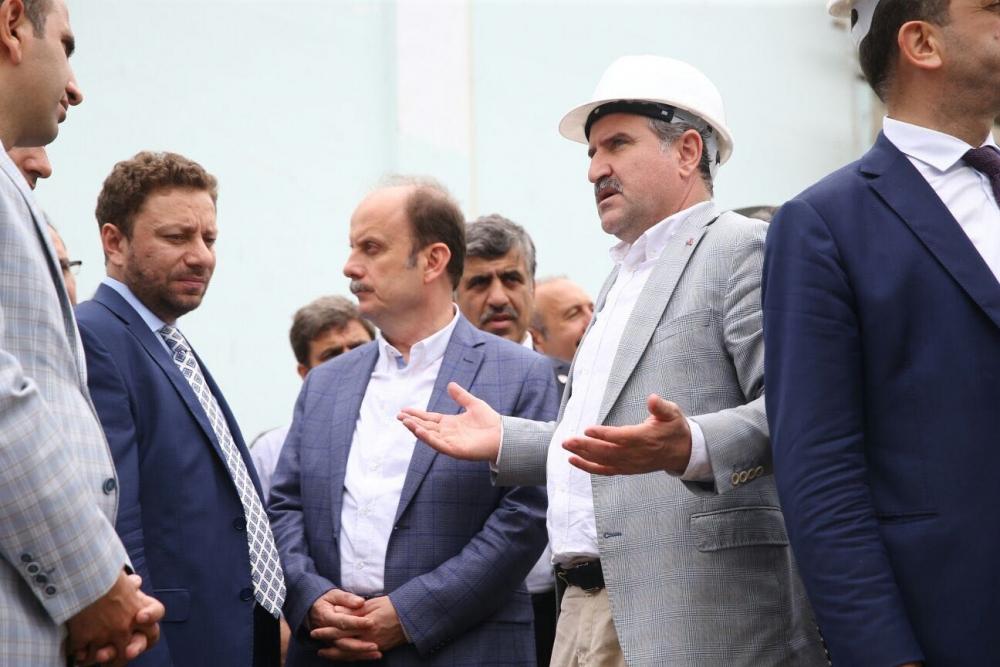 Bakan Bak, Pazar M. Akif Pirim Spor Salonuna el attı 18