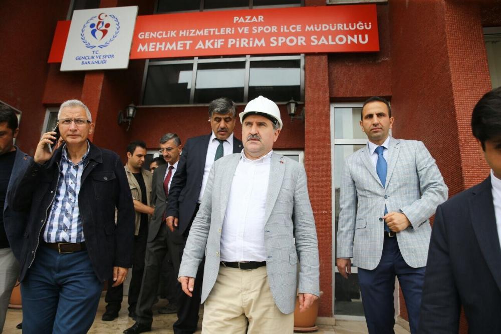 Bakan Bak, Pazar M. Akif Pirim Spor Salonuna el attı 3