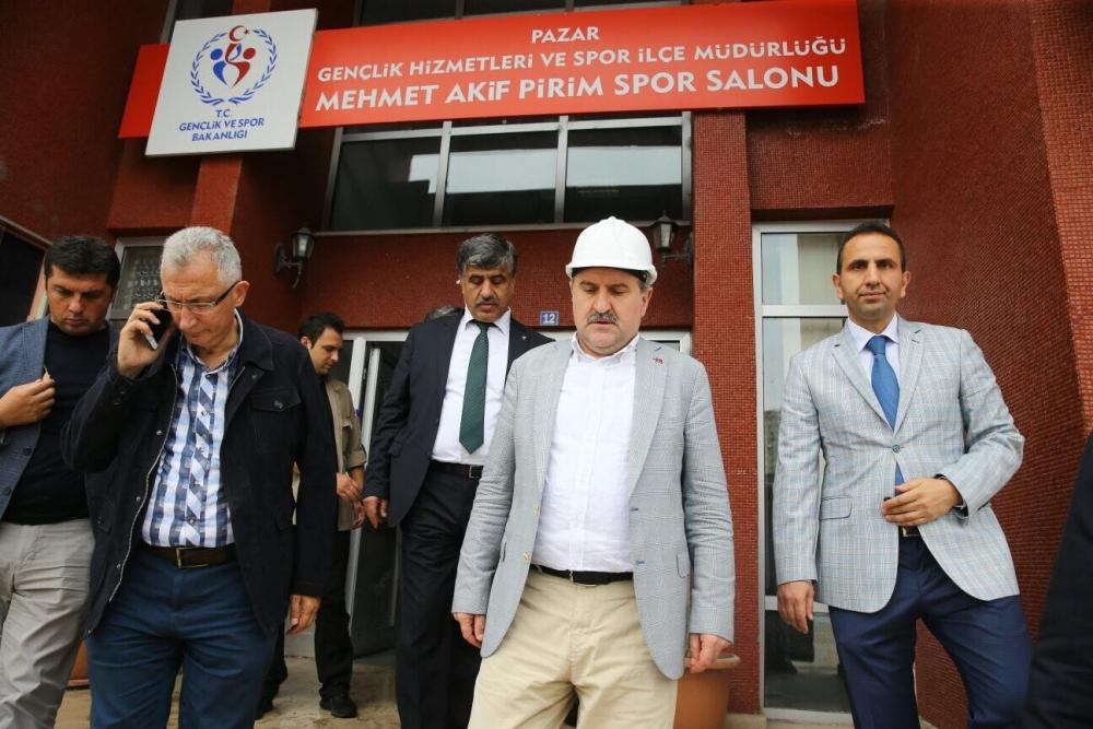 Bakan Bak, Pazar M. Akif Pirim Spor Salonuna el attı 5