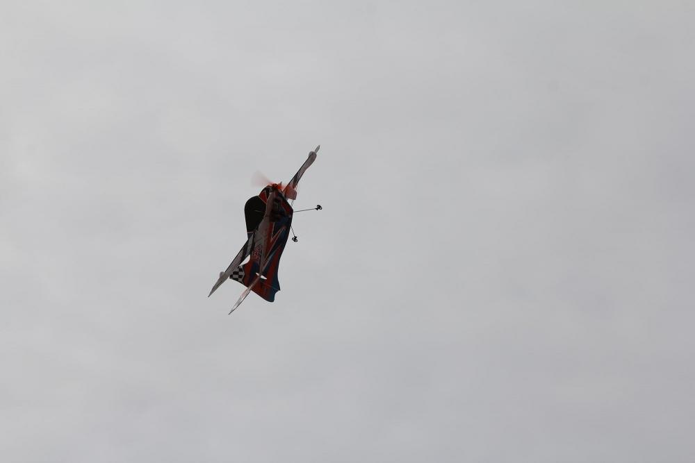 Pazar meydanında model uçakla şov yaptı! 14