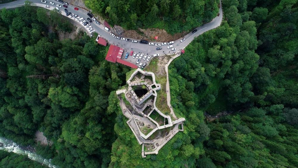 Zil Kale turistlerin ilgi odağı oldu 9