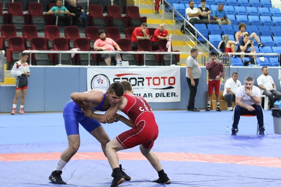 Pazar'daki güreş turnuvası sona erdi 11