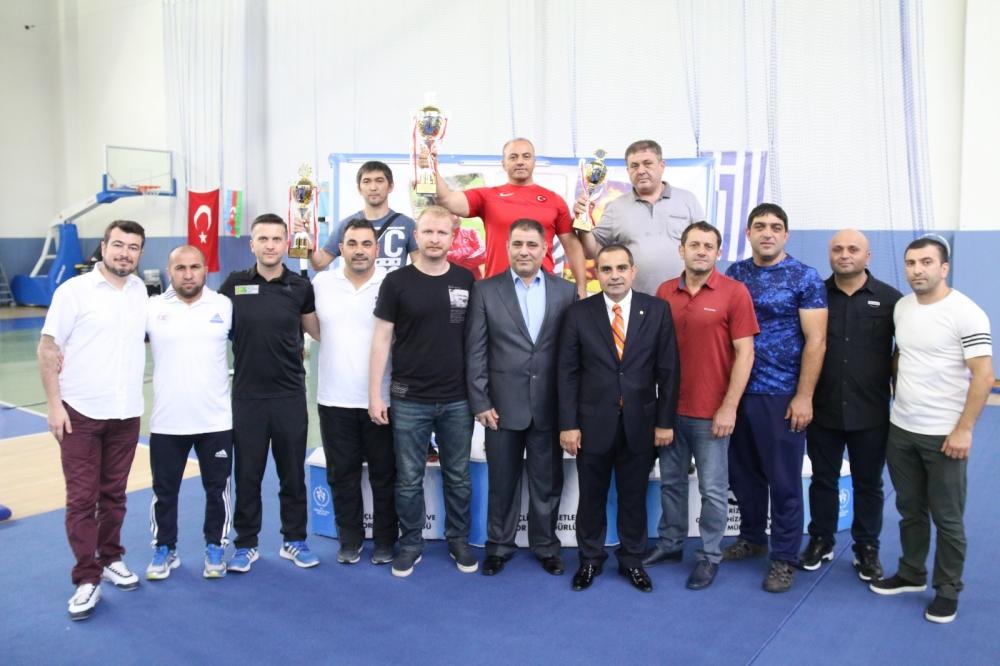 Pazar'daki güreş turnuvası sona erdi 25