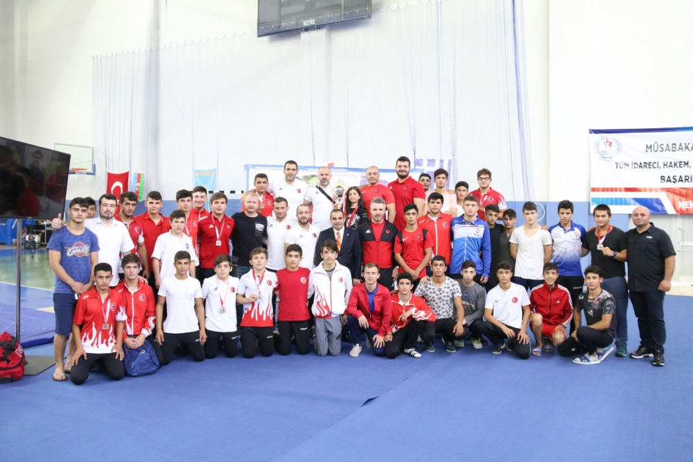 Pazar'daki güreş turnuvası sona erdi 35