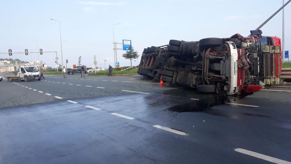 Pazar'da sabah saatlerinde korkunç kaza: 4 yaralı 5