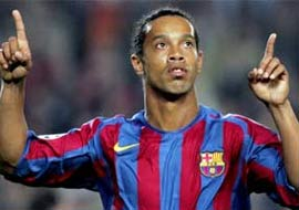 Ronaldinho uzaylı mı?  VİDEO