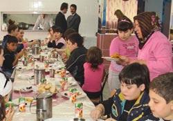 Gürcü minikler Çayeli'nde