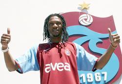 Trabzonspor Song'a imzayı attırdı