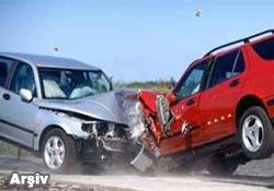 Hopa'da trafik kazası:1 ölü 1 yaralı