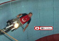 Motosikletle ölümüne dans!