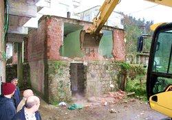 Rize Belediyesi engelleri yıkıyor!