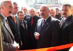 MHP, Pazar'da seçim bürosu açtı