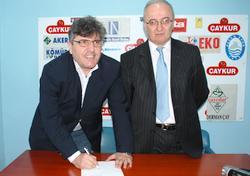 Mustafa Akçay imzayı attı, başladı