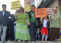 Ardeşen'de engelliler için yürüyüş