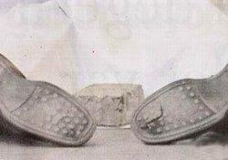 Dink'in delik ayakkabıları!