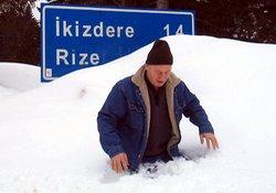 İkizdere'de kar hayatı etkiliyor