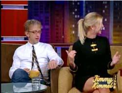 Canlı yayında cinsel taciz! VİDEO