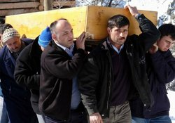 Avda yaralanan muhtar öldü