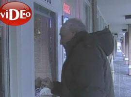 Yaşlı gazeteciye saldırı? VİDEO