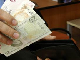 Kağıt parayı kaldırıp plastik para yaptılar!