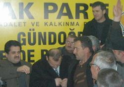 Fabrika işçileri Ak Parti'yi bastı!