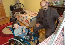 Engelli çocuğa evinde eğitim