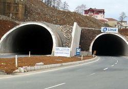 Rize tünellerinin ampulü yok mu?