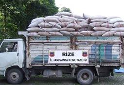 Rize'de kaçak çay ele geçirildi