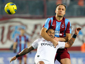 Trabzon evinde Beşiktaş'a boyun eğdi