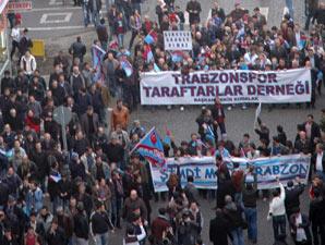 Trabzonspor taraftarları da yürüdü!