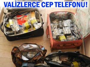 Hopa'da 853 kaçak cep telefonu ele geçirildi