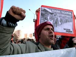 DİSK, ısrarla Taksim'e yürüyecek