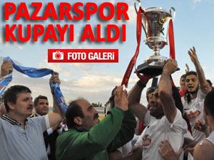 Pazarspor şampiyonluk kupasını aldı