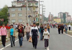 Pazar'da halk yürüyüşü