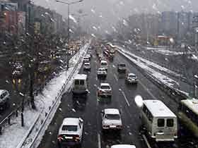 İstanbul karla uyandı