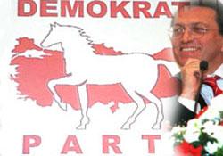 Mesut Yılmaz DP'ye oy kaybettirir!