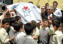 Rize'de temiz okula beyaz bayrak