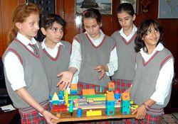 Öğrencilerden Pazar'a proje