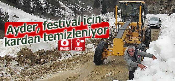 Ayder, festival için kardan temizleniyor