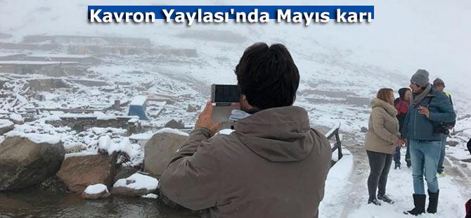 Kavron Yaylası'nda Mayıs karı