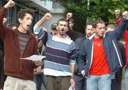 Öğrenciler'den şiddet protestosu