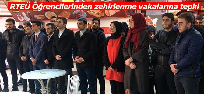 RTEÜ Öğrencileri zehirlenme vakalarına tepki gösterdi
