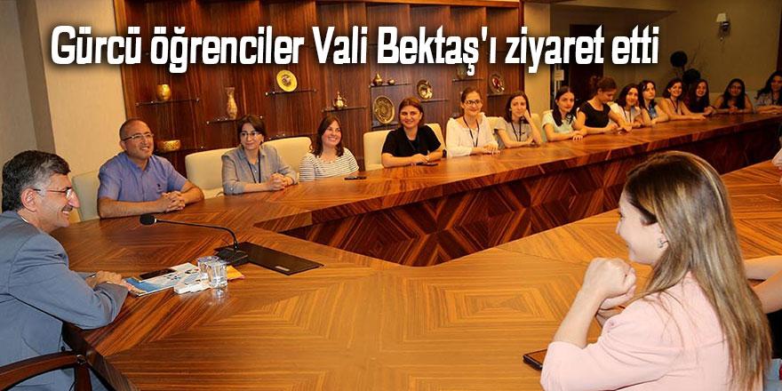 Gürcü öğrenciler Vali Bektaş'ı ziyaret etti
